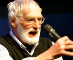 Dennis Meadows presenting